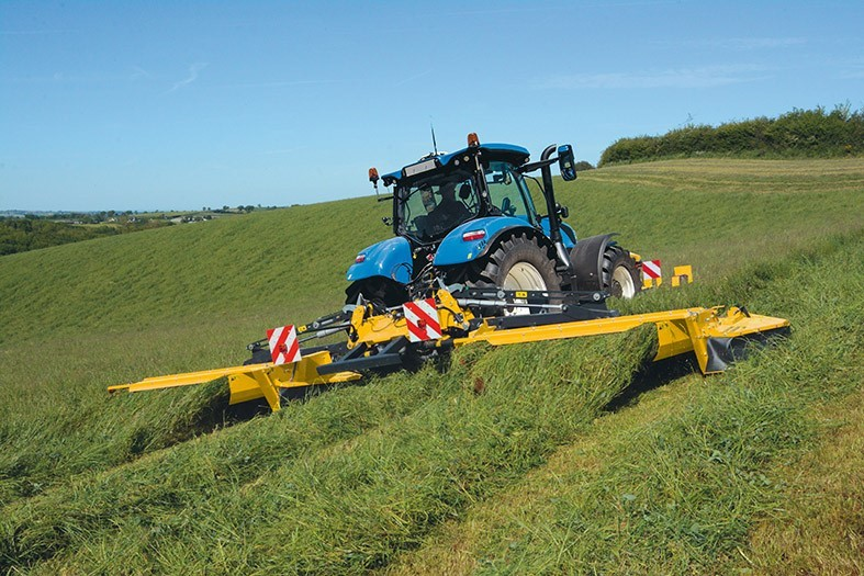 New Holland Forraje CM93