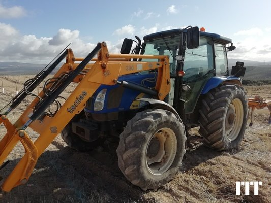 Tractor agricola New Holland T5050 - 1